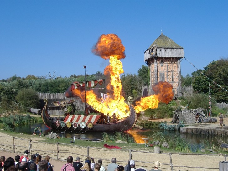 Фото №7 - Воплощенная сказка: откуда взялись парки развлечений и какие из них стоит посетить