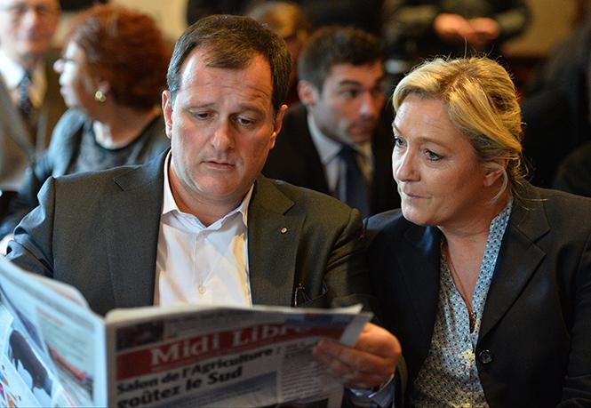 Фото №36 - Первые леди Франции: от Ивонны де Голль до Карлы Бруни-Саркози