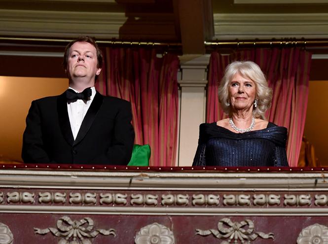 Фото №2 - Сын Камиллы Паркер-Боулз: «Мы с сестрой так и не стали частью королевской семьи»