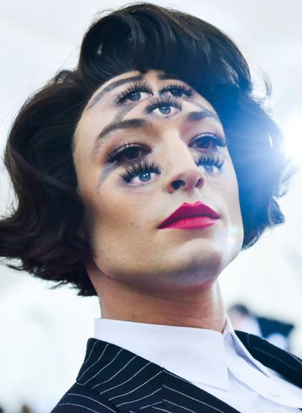 необычный макияж лица фото