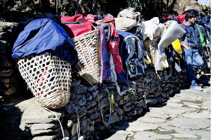 Фото №5 - Гора на плечах: кто несет вещи покорителей Эвереста