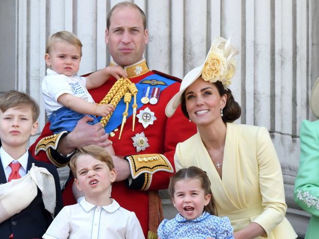 Фото №1 - Долгожданная встреча: когда Джордж, Шарлотта и Луи увидятся с Арчи Сассекским