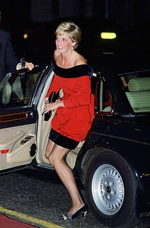Фото №84 - 70 красных нарядов: как принцесса Диана носила любимый цвет