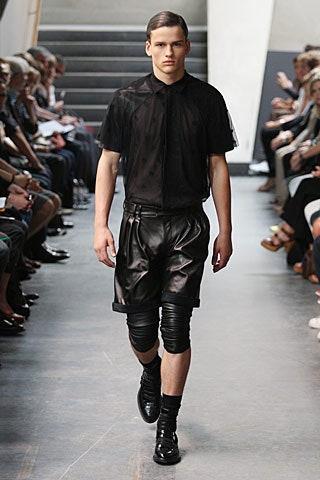 Фото №7 - Мода без пола: почему мужчины в платьях— это нормально