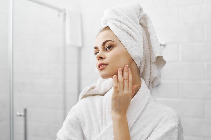 Фото №1 - Почему нельзя мыть лицо под душем