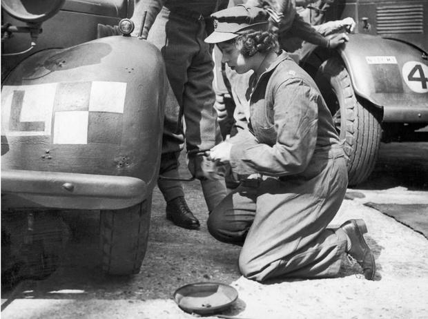 Фото №4 - Принцесса-водитель: как Елизавета служила своей стране во время войны