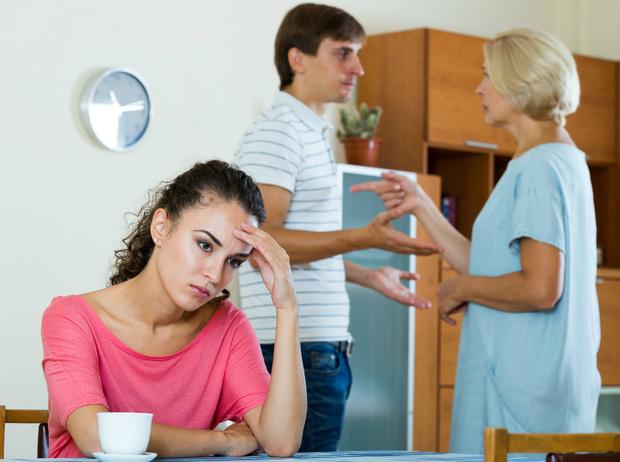 Фото №1 - Родители против супруга: как справиться с семейным конфликтом