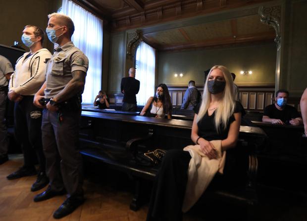 Фото №1 - Жительница Словении лишила себя руки ради миллионной страховки и оказалась в тюрьме