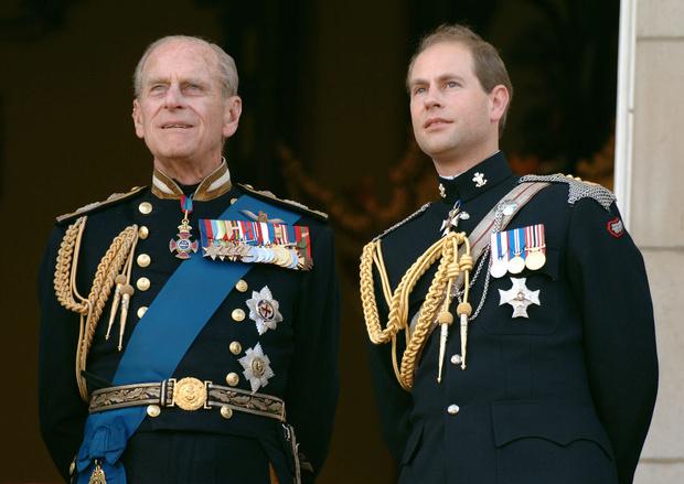 Фото №1 - Непокорный: какой семейной традиции отказался следовать принц Эдвард