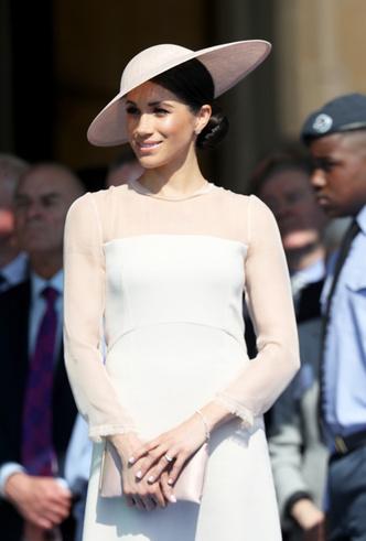 Фото №3 - Меган Маркл и принц Гарри впервые появились на публике после свадьбы