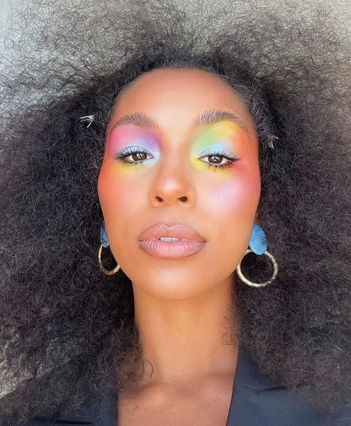 Фото №1 - Бьюти-тренд из Инстаграма: макияж в стиле тай-дай
