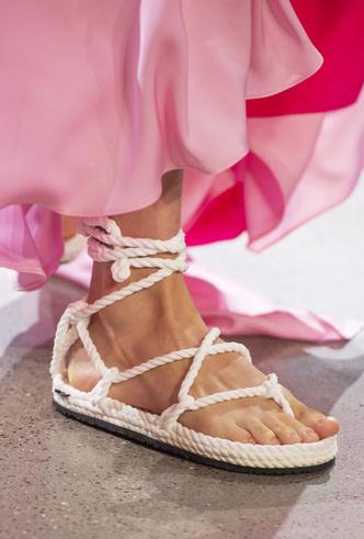 Фото №18 - Самая модная обувь весны и лета 2019