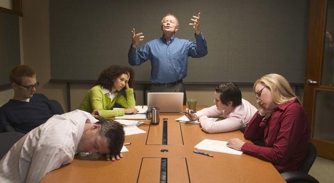Не умеют слушать: как работать с такими коллегами и руководством