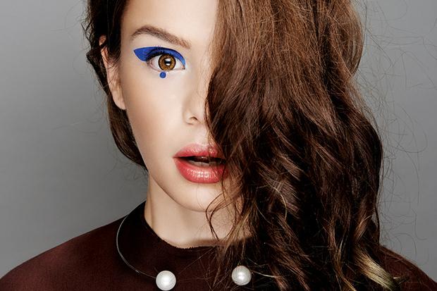Фото №1 - Мастер-класс: Делаем макияж, как у Маши Вэй