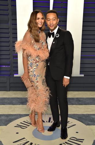 Фото №12 - Самые стильные звездные пары на вечеринке Vanity Fair-2019
