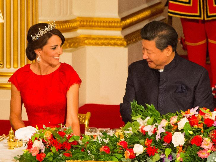 Фото №4 - Диадемы для герцогини: все знаковые выходы Кейт в тиарах