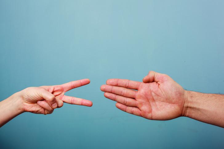 Фото №1 - Психологи рассказали, как выигрывать в «Камень, ножницы, бумагу»