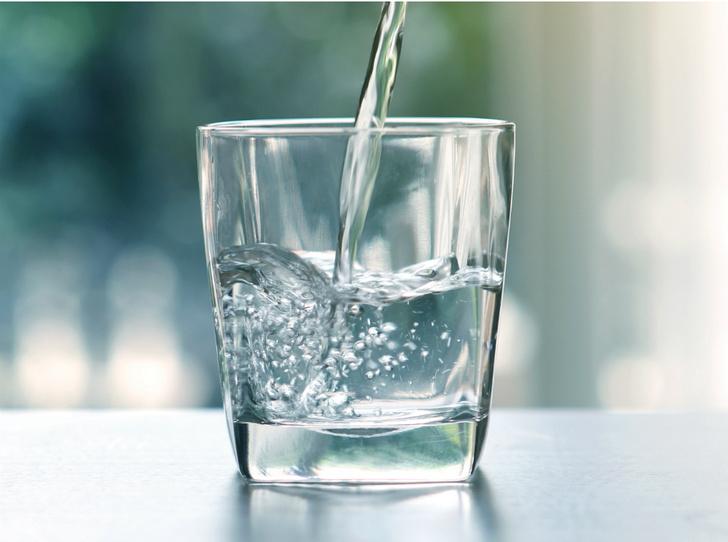 Фото №1 - Какую минеральную воду можно пить каждый день