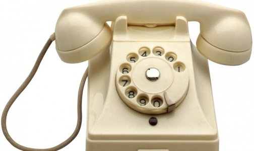 Фото №1 - Запись к врачу через call-центр по-петербургски: «Звоните завтра»