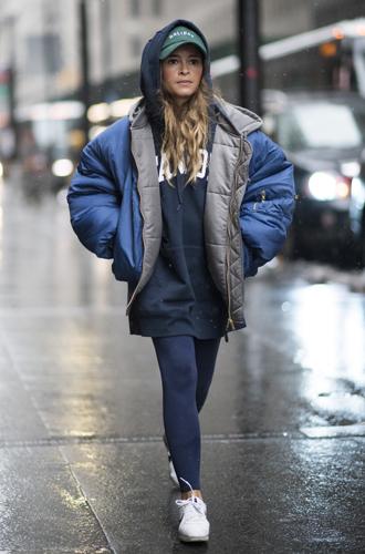 Фото №26 - Дело в кепке: с чем носить главный аксессуар этого года