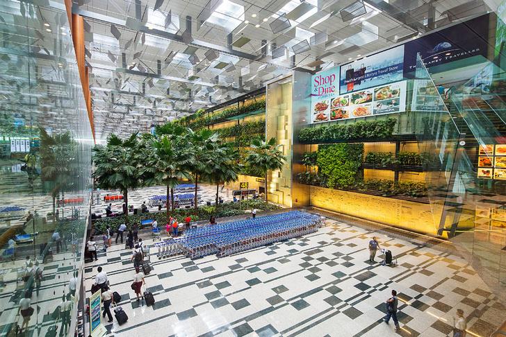 Фото №6 - Полет фантазии: 10 удивительных аэропортов мира
