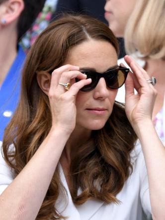 Фото №4 - Подарок не от мужа: самое роскошное украшение Кейт, не связанное с БКС