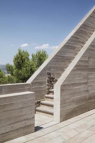 Фото №5 - Студия Meritxell Inaraja восстановила замок XII века в Каталонии