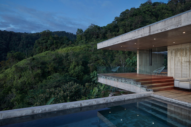 Фото №11 - Бетонная вилла в джунглях Коста-Рики