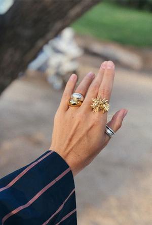 Фото №4 - Как сочетать золотые и серебряные украшения: советы стилиста
