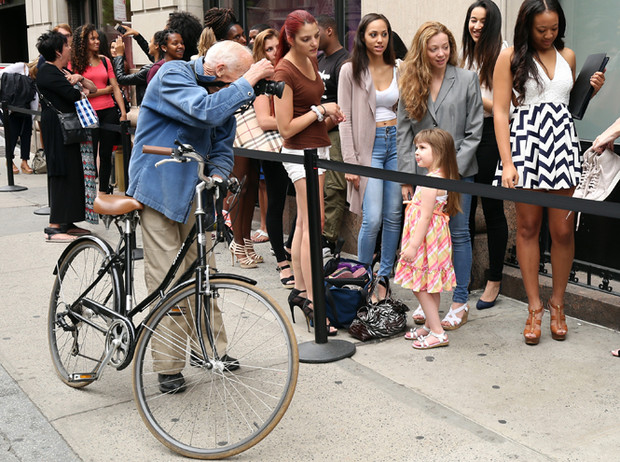 Фото №6 - Отец уличной моды: как Билл Каннингем изменил мир модной фотографии