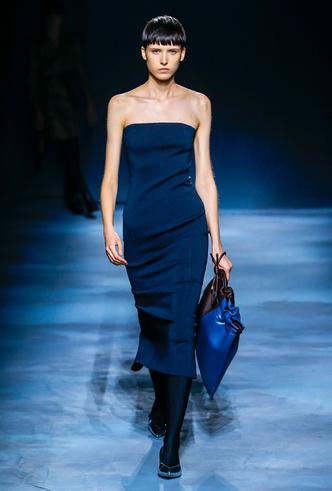 Фото №13 - Фаворит герцогини: что Меган Маркл наденет из новой коллекции Givenchy SS 2019