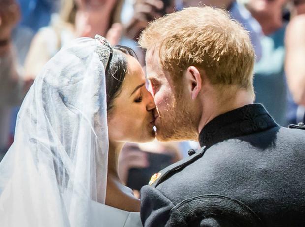 Фото №6 - Друзья герцогини Меган встали на ее защиту (и нарушили главное требование принца Гарри)