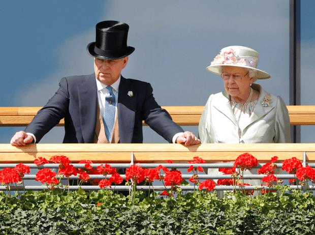 Фото №2 - Как Королева отреагировала на скандальное интервью принца Эндрю