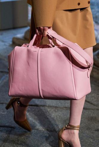 Фото №8 - Самые модные сумки весны и лета 2021