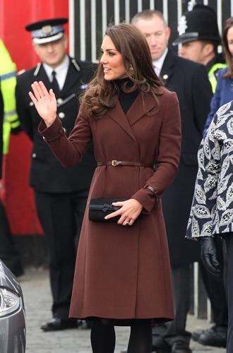 Фото №12 - Королевский дресс-код: любимые сумки герцогини Кембриджской