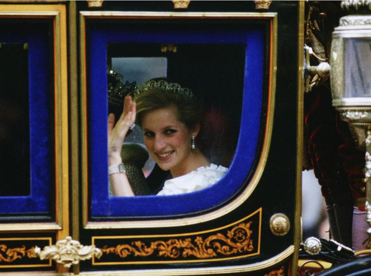 Фото №2 - Стрижка раздора: как принцесса Диана «украла шоу» у Королевы