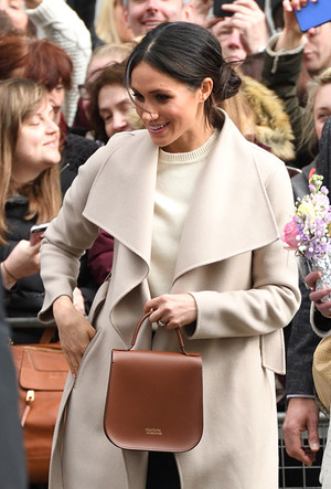 Фото №17 - Эффект Меган Маркл: какие модные бренды прославила супруга принца Гарри