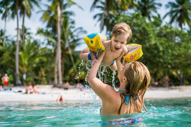 Фото №3 - Новый год под пальмами: как уберечься от инфекций