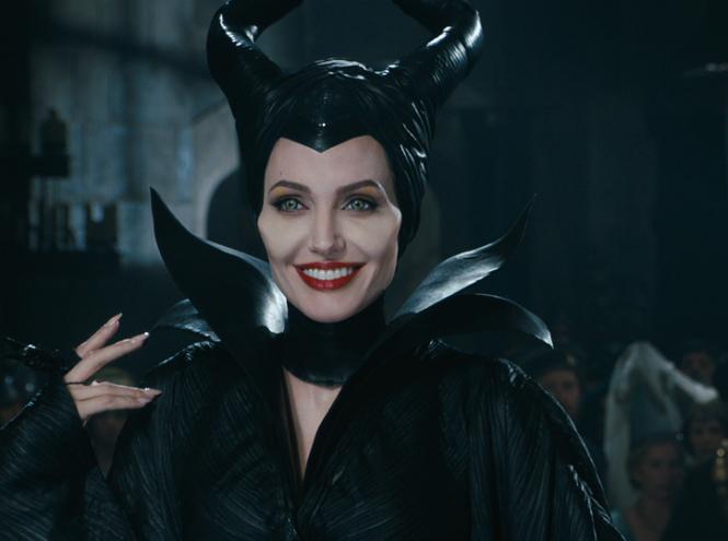 Фото №6 - Чем занимается Анджелина Джоли сегодня