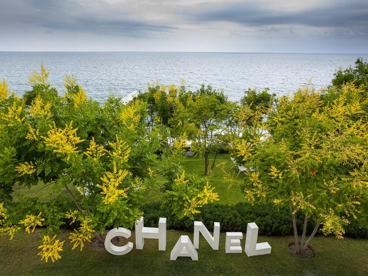 Фото №4 - Coco Beach: как прошла презентация новой коллекции Chanel