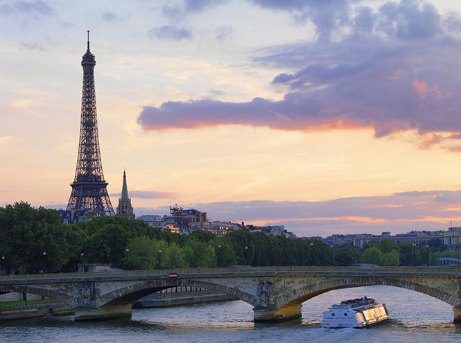 Фото №2 - Романтика в Париже: места в двух шагах от Эйфелевой башни, где нужно признаваться в любви