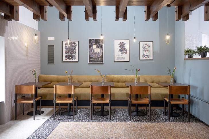 Фото №1 - Атмосферное кафе Auberge de Beaulieu в Лозанне
