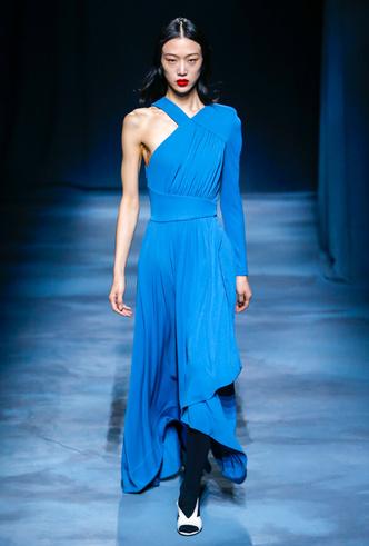 Фото №11 - Фаворит герцогини: что Меган Маркл наденет из новой коллекции Givenchy SS 2019