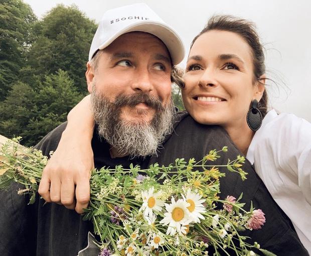 Ирена Понарошку развелась с мужем после 10 лет брака, причины развода, личная жизнь, последние новости 2020