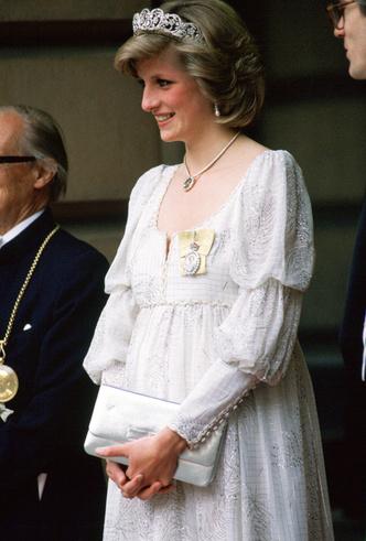 Фото №7 - Беременна будущим королем: принцессы и королевы в положении (фото)