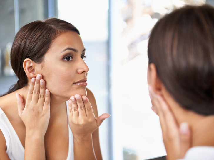 Фото №1 - Как ухаживать за жирной кожей