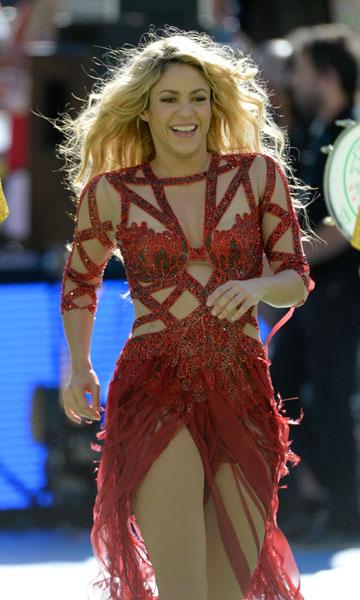Фото №1 - Стиль звезд: Шакира с сыном на финале ЧМ-2014
