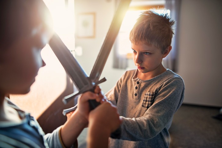 Фото №2 - Как авторитетно разруливать конфликты cвоих детей