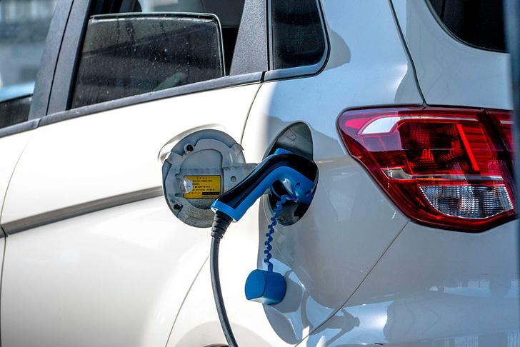 Фото №1 - Эксперты прогнозируют снижение цен на электромобили