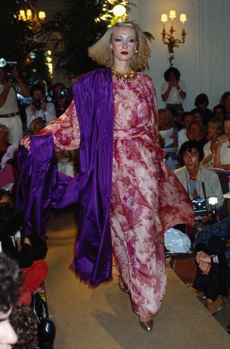 Фото №5 - Принт «туаль де Жуи»: летняя альтернатива цветам, полоске и клетке